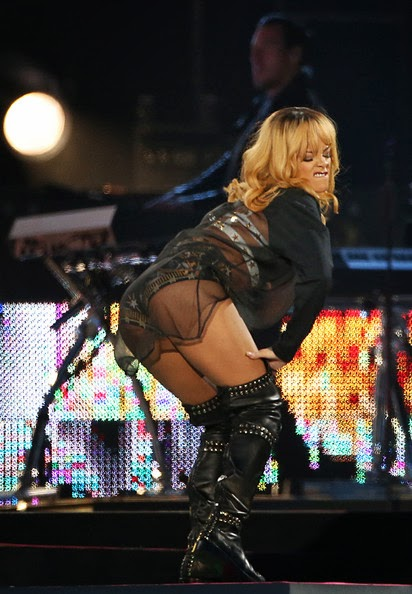 RihannaLive2